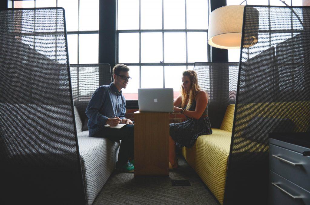 advice-advise-advisor-business-7075-1024x678 Quel est le rôle d'une agence événementielle ?